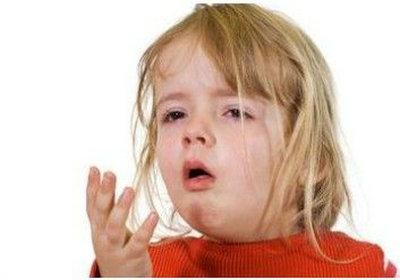 孩子咳嗽老不好 多半是肺热按摩图解