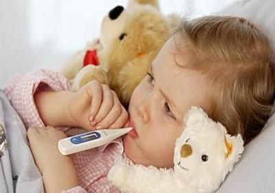 目前宝宝发烧咳嗽怎么办呢?